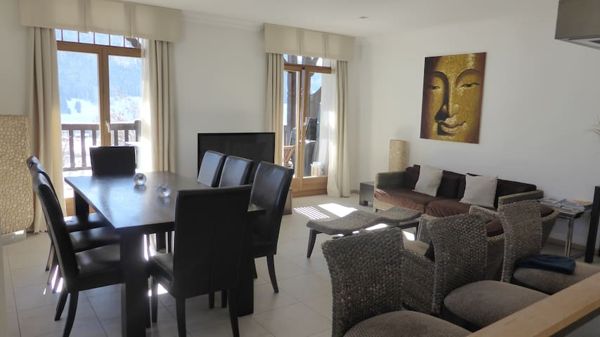 Large Luxury 5* Apartment With Pool,  3 Bedrooms