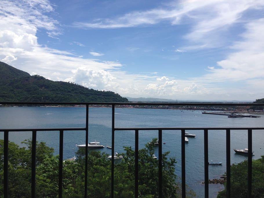 Vista del departamento a Puerto Marques se ve el amanecer