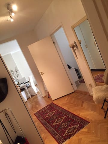 Central room close to City - Göteborg - Bed & Breakfast