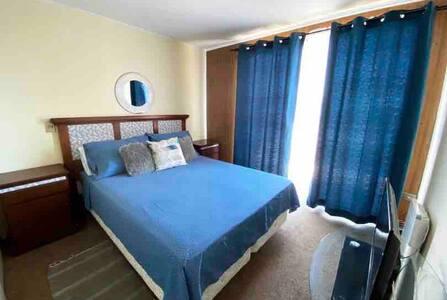 Cómoda habitación en exclusivo condominio
