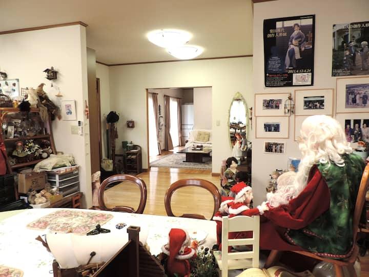 山口県山口市秋穂にある人形作りを体験できるゲストハウス