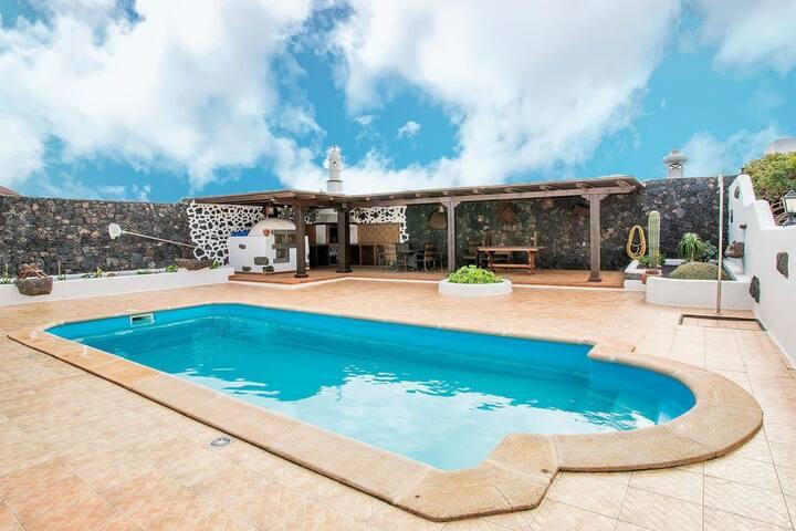 Villa Los Dragos
