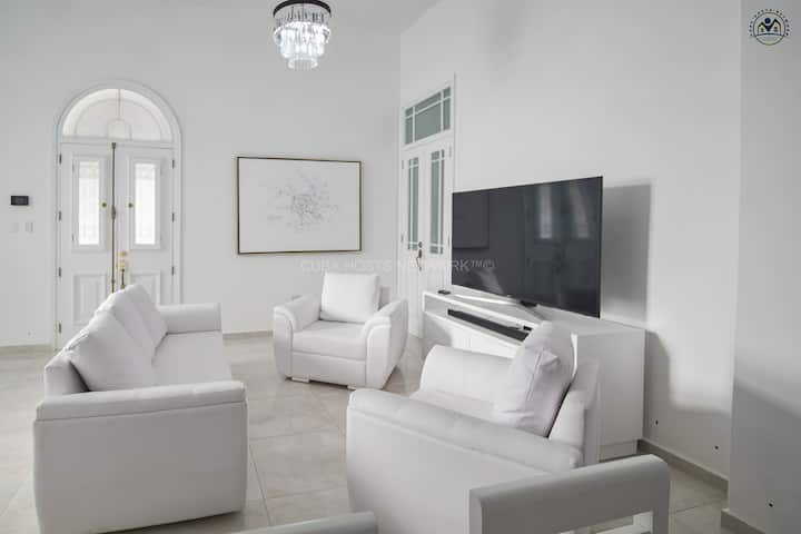 Malecon Luxury house in the center + WiFi Access!