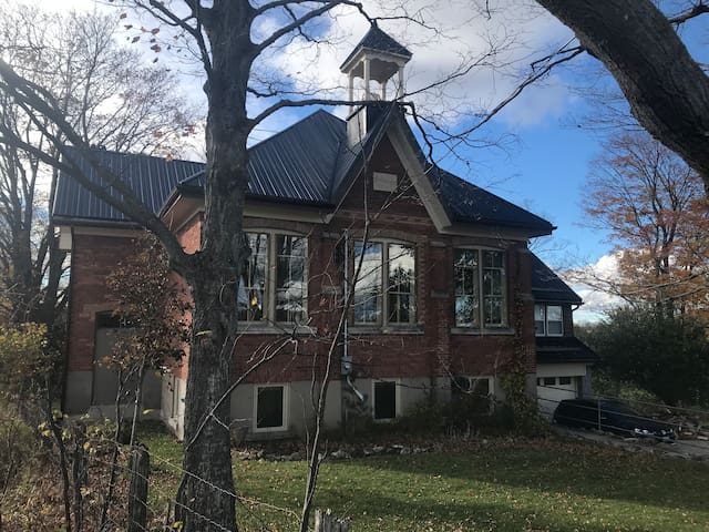 Grey Highlands Schoolhouse Retreat