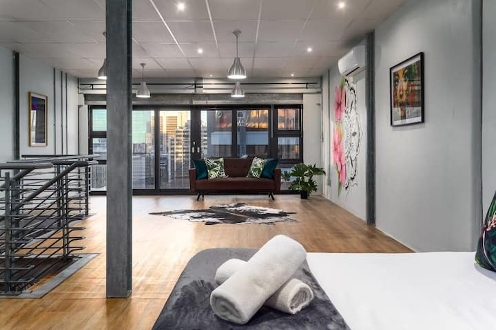 Super Spacious Duplex Apartment With City Views
