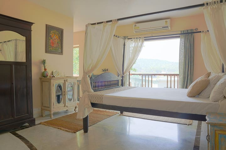 Large bedroom in a luxurious house in North Goa