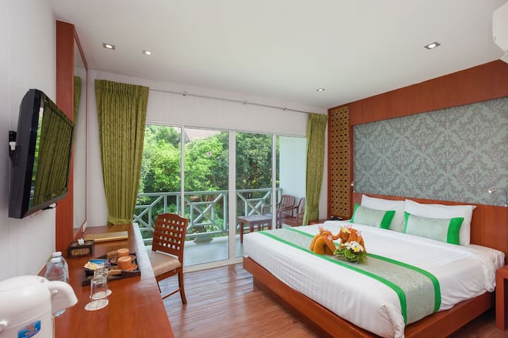 Comfy Standard Room in Phi Phi Islands!