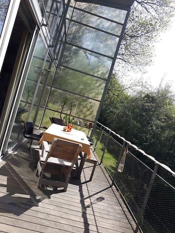 2 chambres dans maison d'architecte