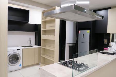 Spacious Double Bedroom, Double Bath Condo for 3 - Petaling Jaya
