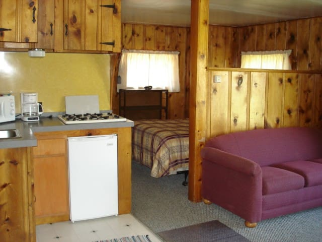 Spacious Cabin with Kitchenette