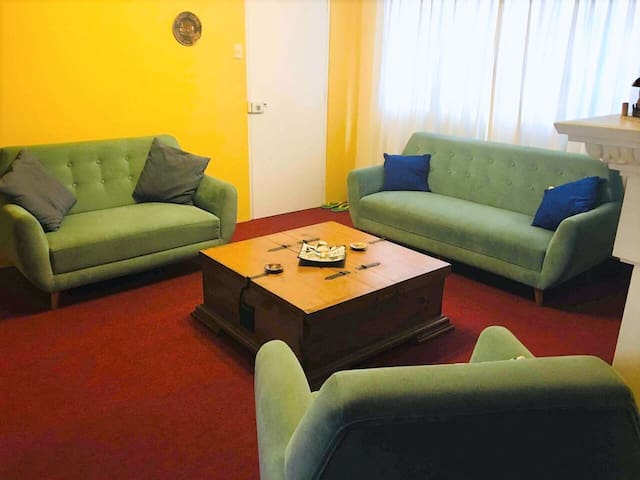 Miraflores Apt. 2 spacious rooms up to 4 guests