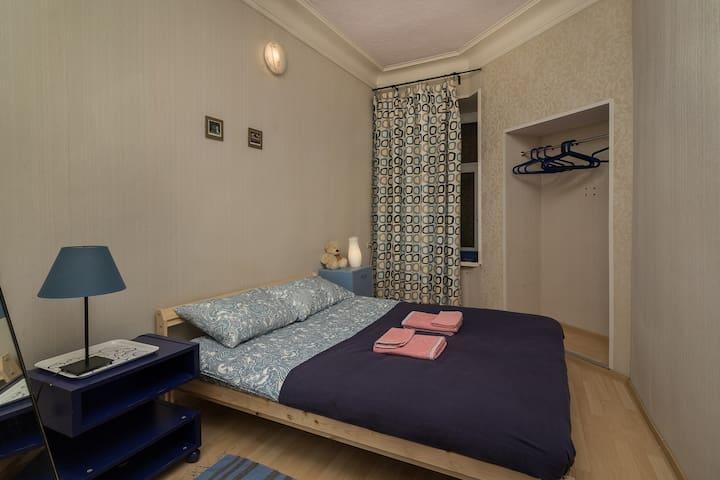 2 bedroom Apt. Уютная 2к кв у метро Горьковская
