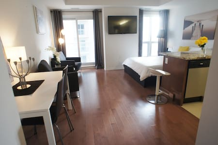 Modern and new Studio in Downtown Core - Ottawa - Pis