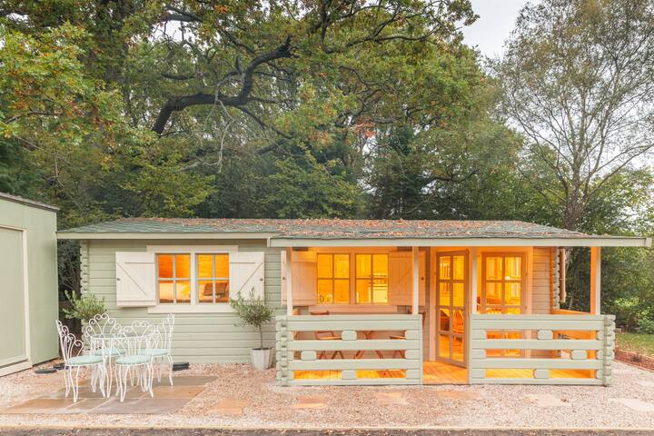 Family friendly sunny Log Cabin - Wimborne Minster - Kabin