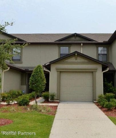 Private Bedroom Townhome w/ pool and parking - Jacksonville - House