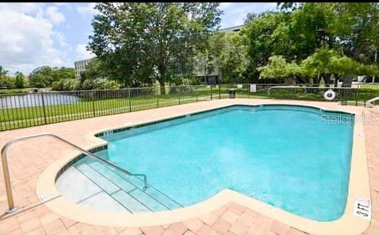 Clearwater Beach Condo 2B|R fits 4 to 8ppl