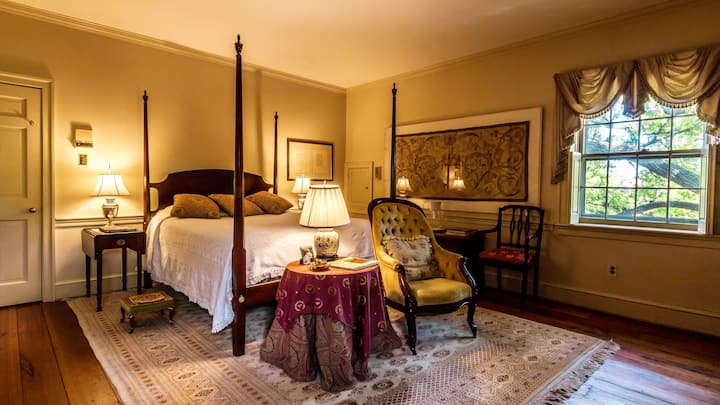 Old Town Alexandria Historic Mansion  Poetry Suite