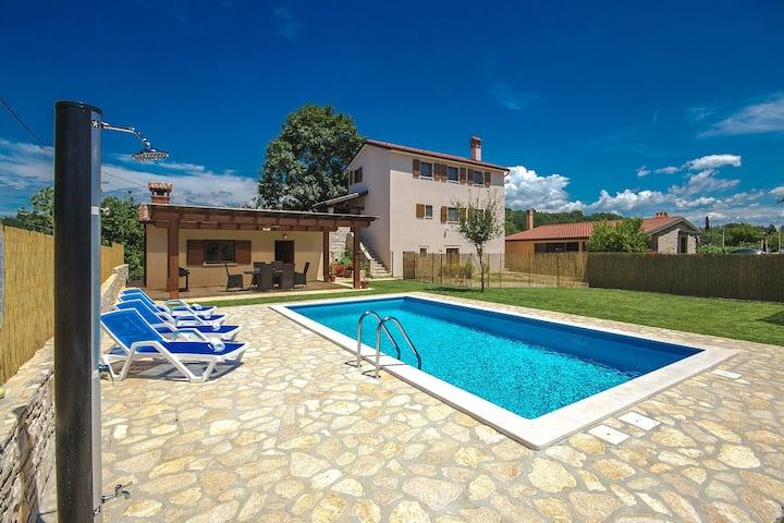 Casa Bastiani with pool