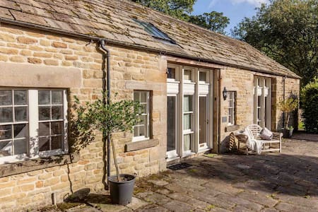 The Coach House, the perfect Peak District getaway