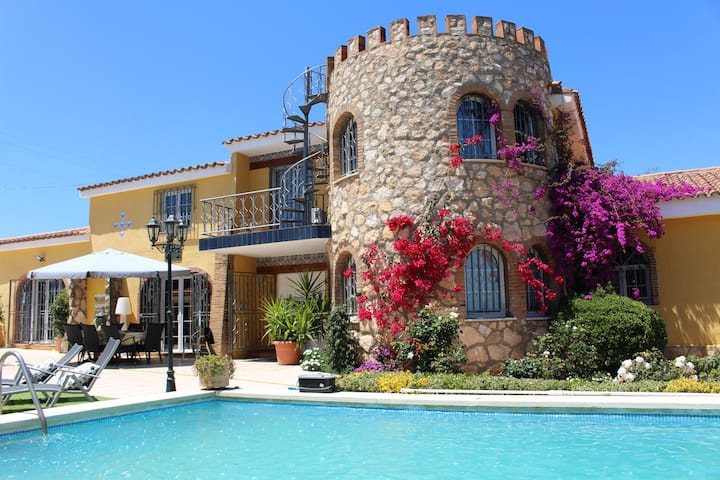Villa en Salou con piscina privada, Port Aventura.