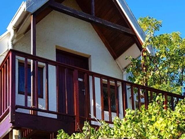 Studio Loft Apartment - Somerset West