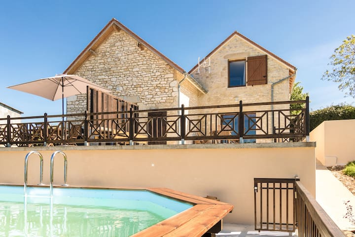 Luxurious Cottage in Mayrac with Private Pool