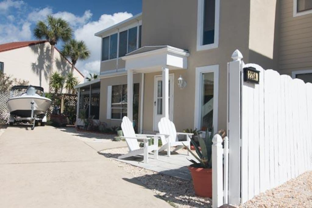 3/2 Island Townhome, 1700 sqft., Sleeps 10-12
