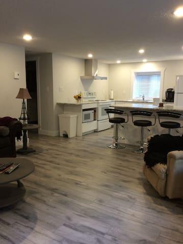 Cobble Hill suite,central location.