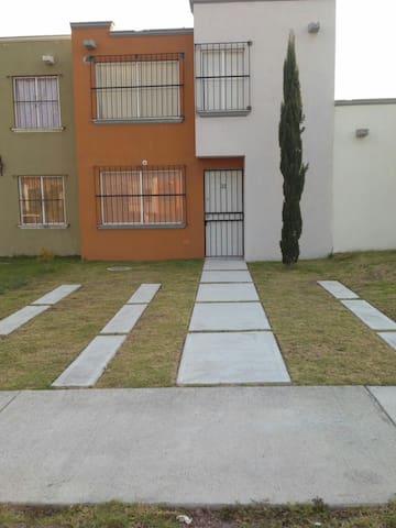 Bonita casa, lista para vacasionar - San Miguel de Allende  - Дом