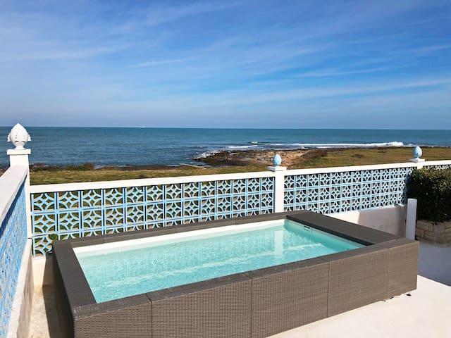Una terrazza sul mare ad Ostuni