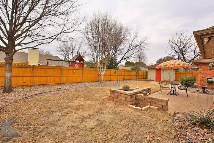 Honey's House on the Hill - Abilene - Dom