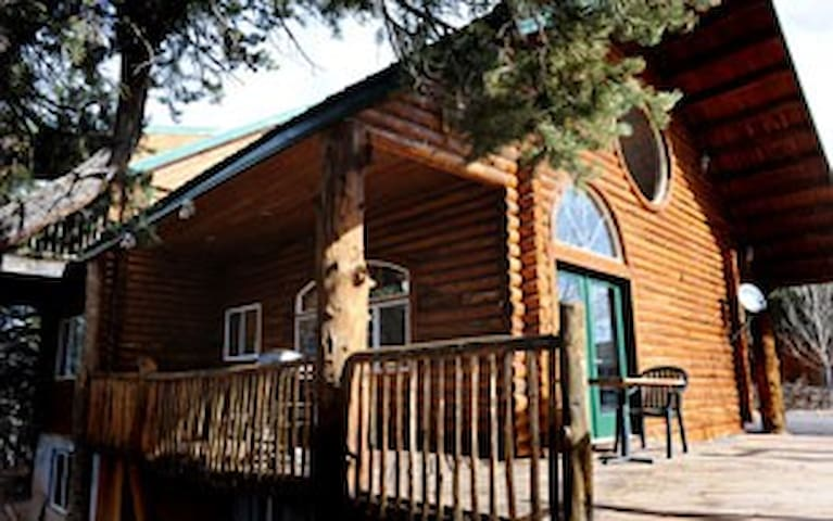 Lovely 5 bd Ranch style home near beautiful Zion