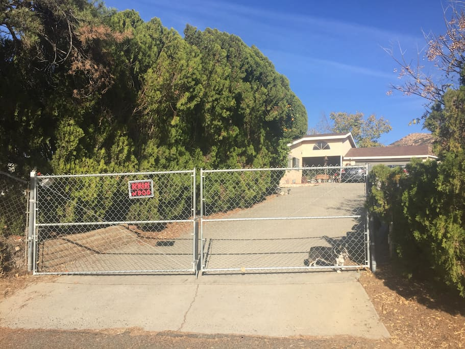 Front house entrance/driveway