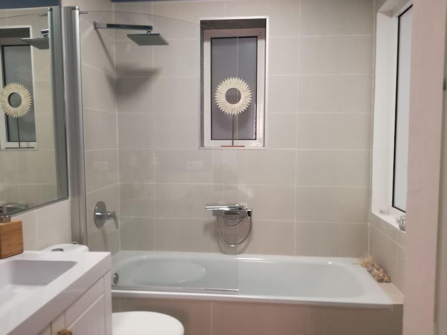 Baño , dormitorio principal