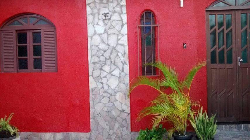 Alugo casa em conceição de salinas - Salinas da Margarida - Ev