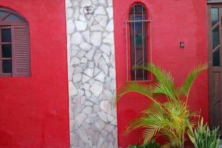 Alugo casa em conceição de salinas - Salinas da Margarida - House