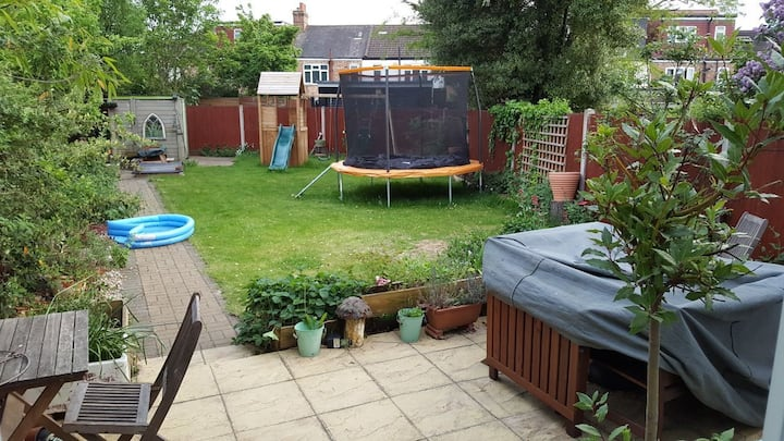 Spacious family home 30 mins from central London