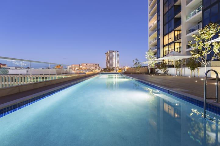 Lake view & luxurious apartments in Belconnen