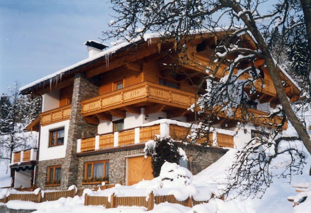 Unser Haus im Winter...