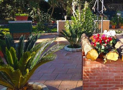 Casa in campagna a Salerno - Salerno - Villa