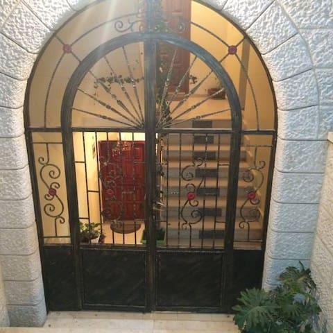 Nofal Hosting - Nablus - Lakás