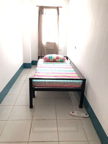 1 pax.affordable.across Ateneo.Near UP. Accessible