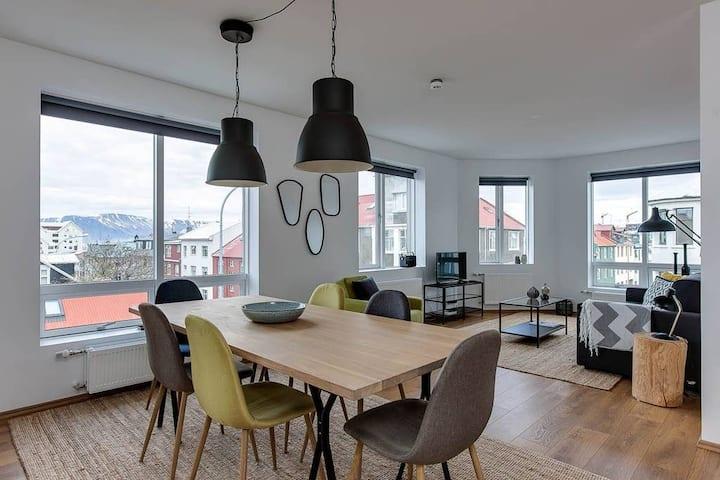 Tyr 2BR apartment