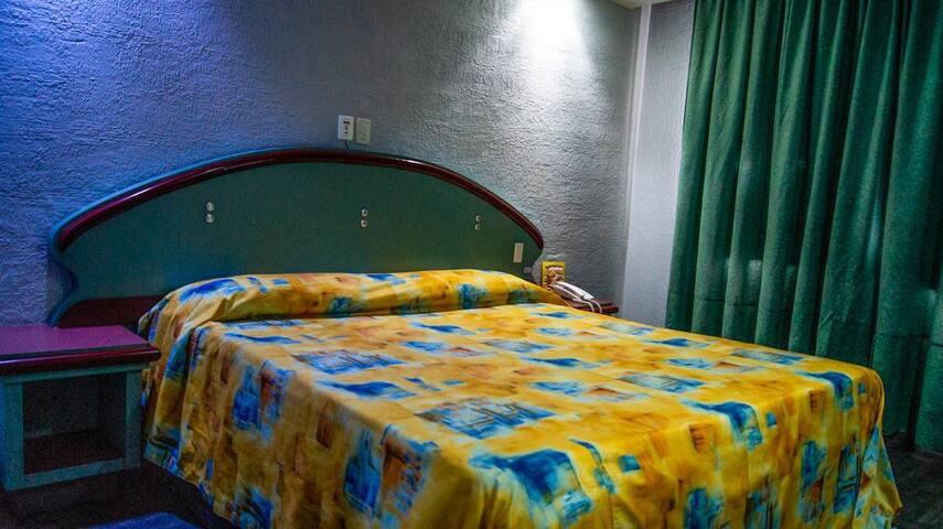 Hotel Muy, King