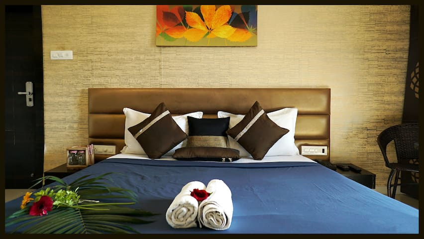 Mansoon Lake Deluxe Room-4