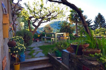 Casa al Caco nel bellissimo nucleo - Bedigliora - บ้าน