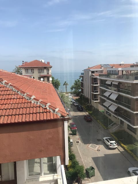 2-bedroom apartment with sea view for rent in Yalova City center