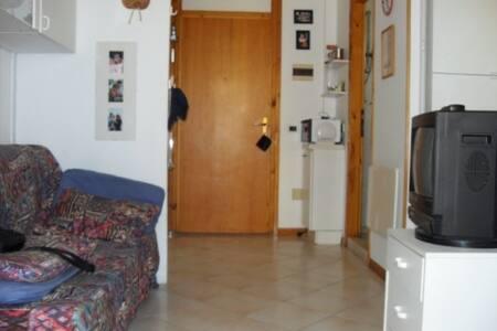 Appartamento 50 m. dal mare - Lido delle Nazioni - Apartmen