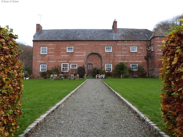 Ffermdy Clwyd - St Asaph - บ้าน
