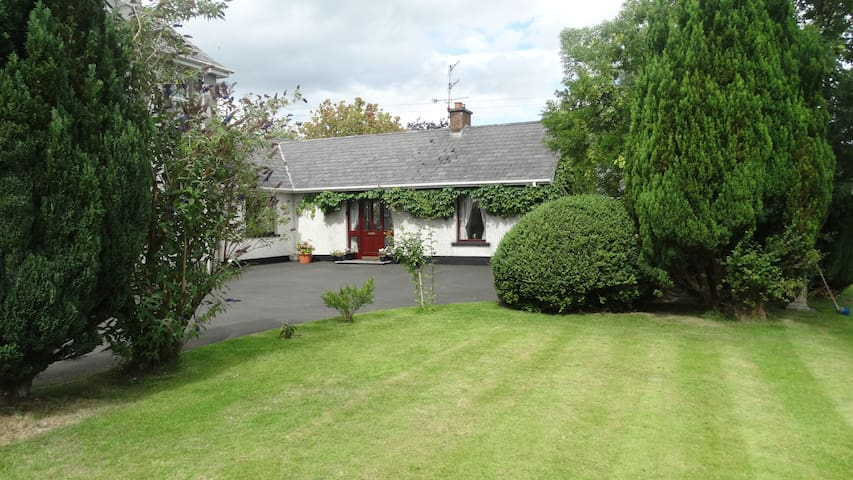Moyola River Cottage - NITB Approved  4 Star Home